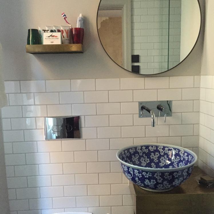 hotelstorybathroom