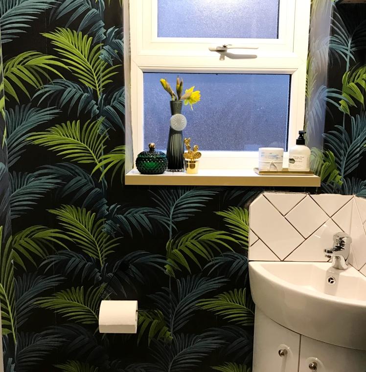 Palmprintbathroom
