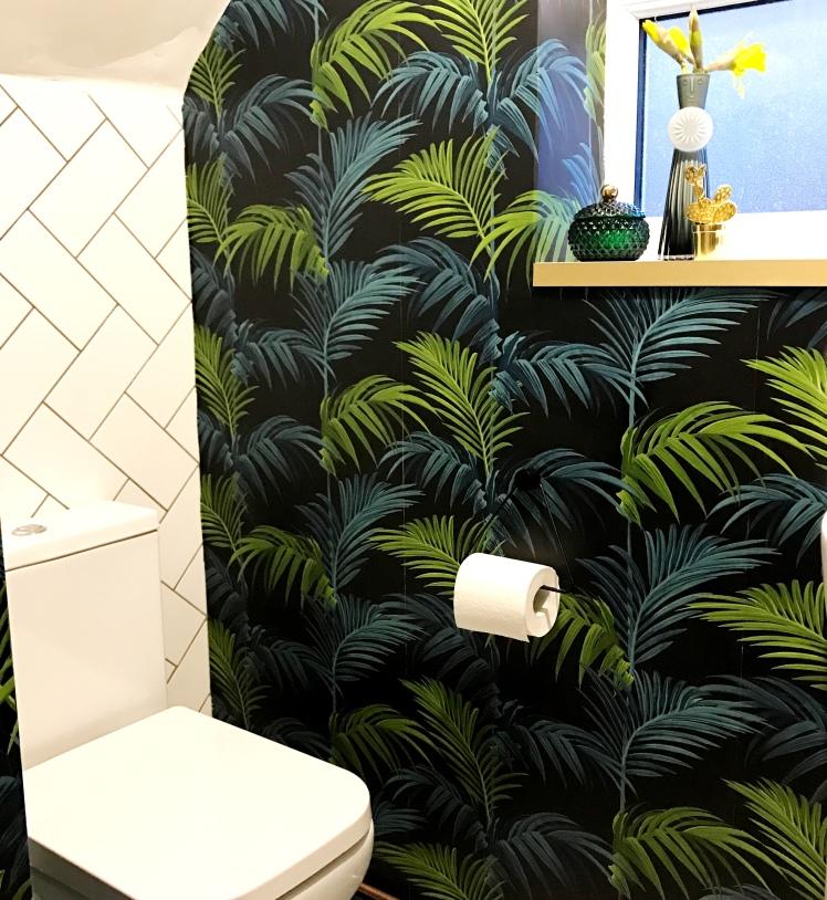 palmprintwashroom2.JPG